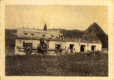 Antiga escola de Piornedo e actual local da Asociación de Veciños, restaurada por eles mesmos.